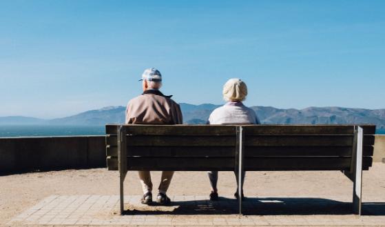 Zwolnienie pracownika przed emeryturą.